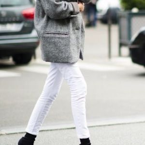 White raw fringe hem jeans